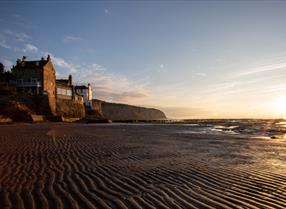 An image of  Robin Hood's Bay at sunrise - Duncan Lomax